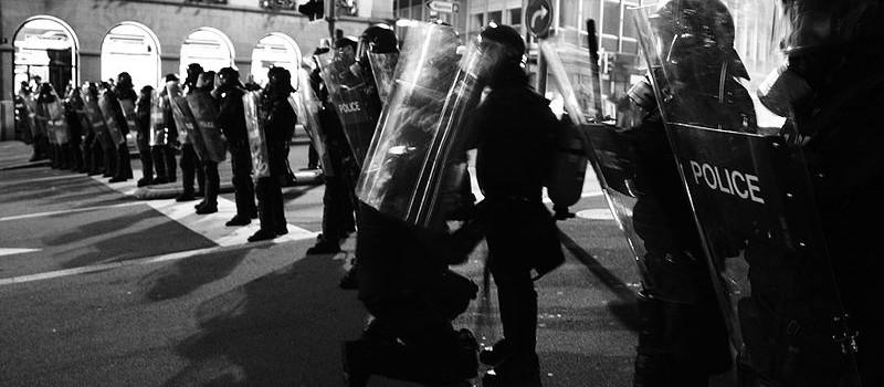 800px-Civil_unrest_Lausanne_mp3h8565-b