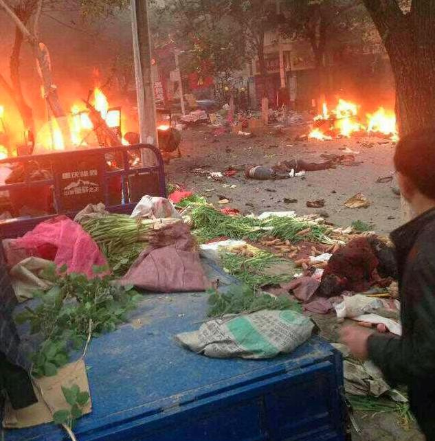 Zeker 30 doden bij aanslag in China – Xi belooft terroristen te straffen