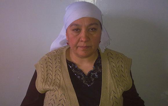 Shi jinpingning uyghur rayonini ziyariti dawamida jesur ana patigül ghulam öz qorusigha 3 kün qamap qoyulghan