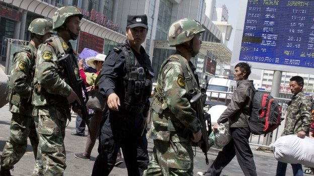 Uyghur Man Draws Knife, is Shot Dead by Police
