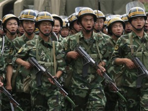 chinese_soldiers uighur