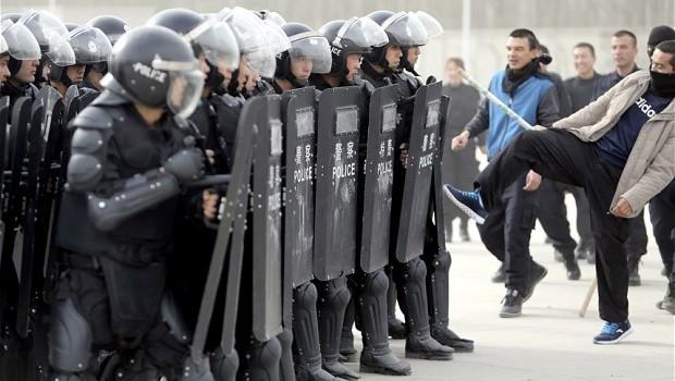 Ikki ay ichide uyghurlarning xitaylarğa qarshiliq heriketlirinde ölgenler 50 tin ashti