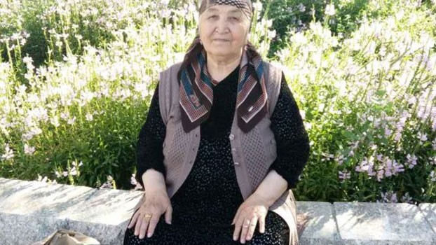 elderly-uyghur-woman-harassed-threatened-by-police