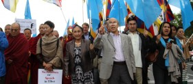 swiss-geneva-2016-uyghur-and-tibetan-communities-hold-joint-demonstration-for-freedom-of-religion-in-tibet-and-east-turkestan-1024x683