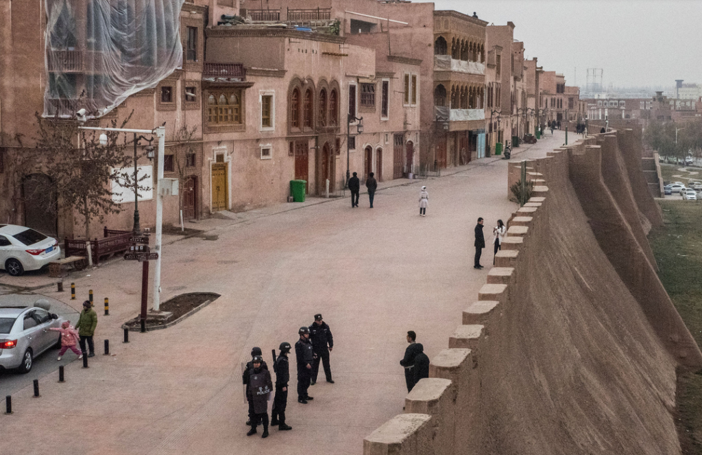 Dodging Chinese Police in Kashgar, a Silk Road Oasis Town