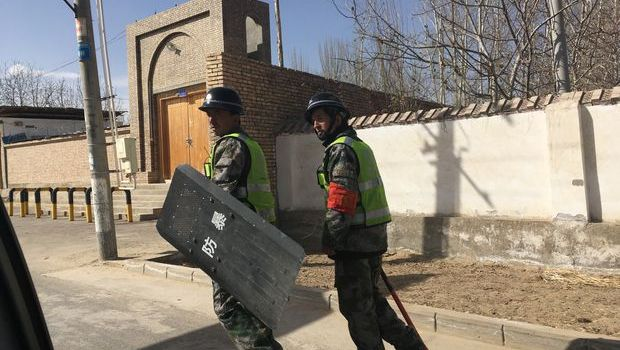 China detaining hundreds of thousands of Uyghurs in prison-like centres report