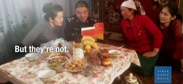 China stuurt ambtenaren uit logeren (en spioneren) bij Oeigoeren